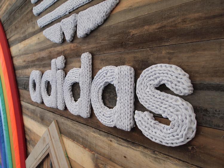 Stand Adidas Sonar