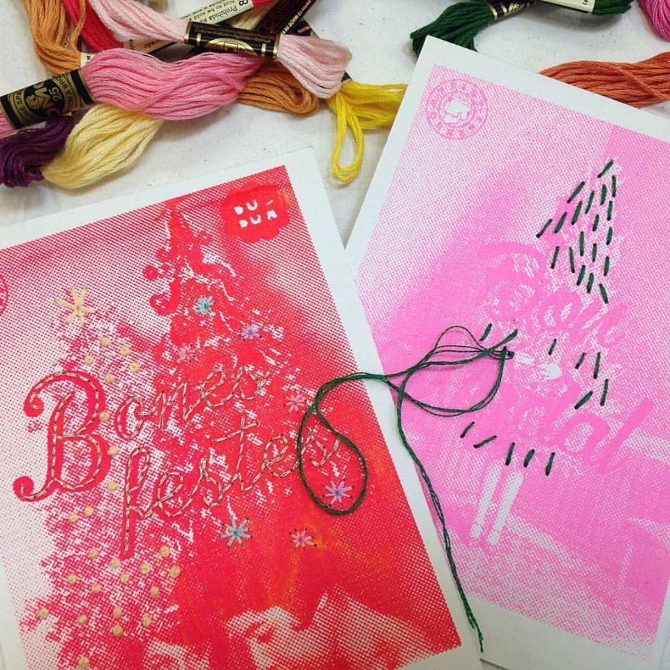 Taller de bordado sobre papel para adultos y niños en el mercado de serigrafía de Print Workers.