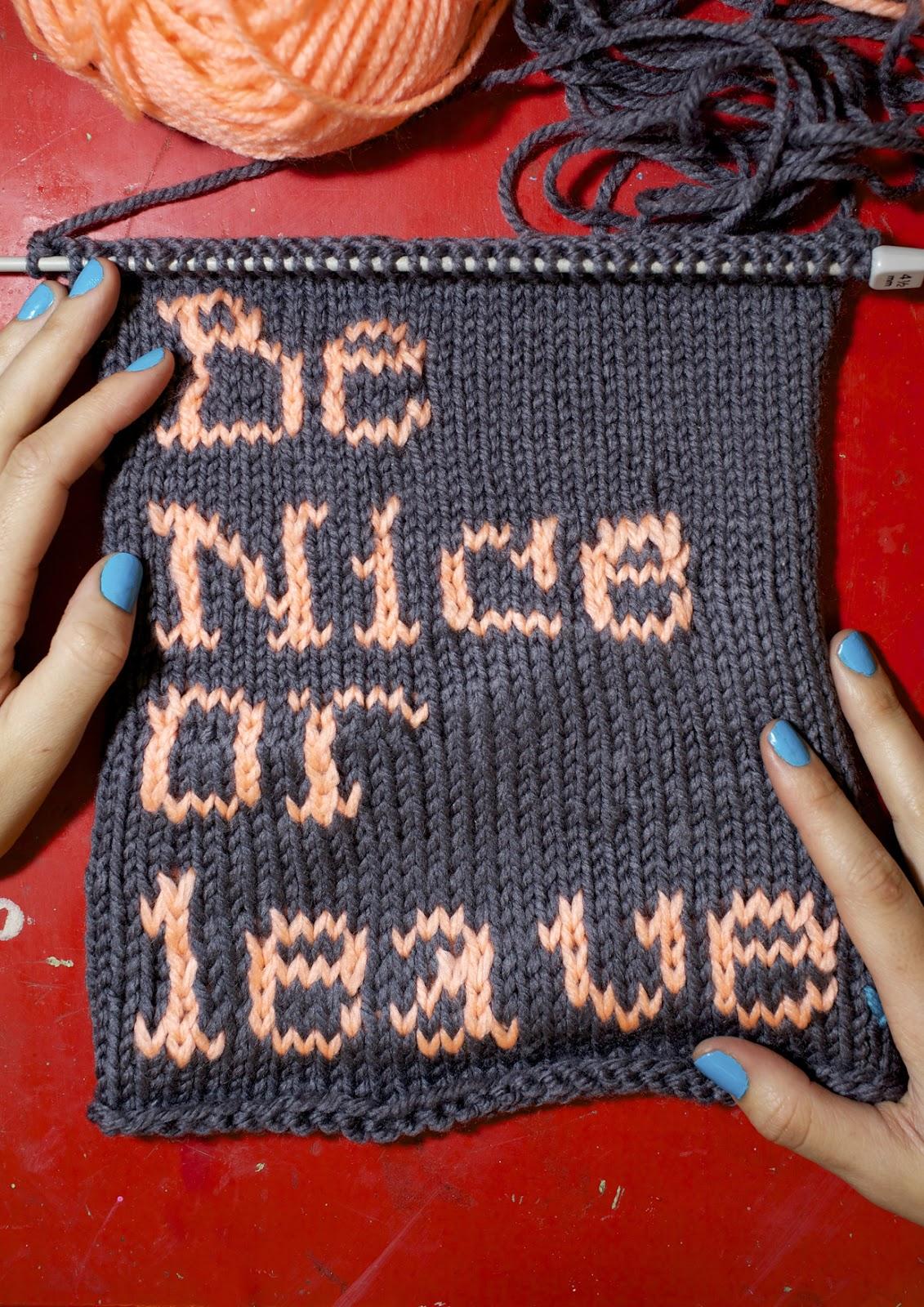 Tipografía tejida para Perdiz Magazine. Foto Roc Herms