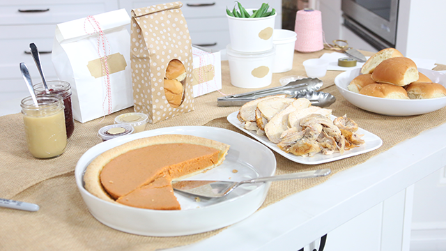 Time-saving tips to make Thanksgiving dinner less stressful.