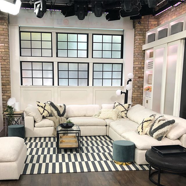 If you are planning a party or just looking for some ideas on how to mix up your existing furniture layout don't miss my segment this Thursday June 6th on @themarilyndenisshow on @CTV! We'll be taking a tour of one of my all time favourite living spaces, and moving things around in studio! I'm joined by the amazing @propertybrothers @mrdrewscott + @mrsilverscott and the ever talented @kasiaw_designs at 10am ET on CTV and then again at 11am on CTV Two 🎥. Big huge thanks to these great suppliers @ikeacanada @structube @cornerstonehomeinteriors