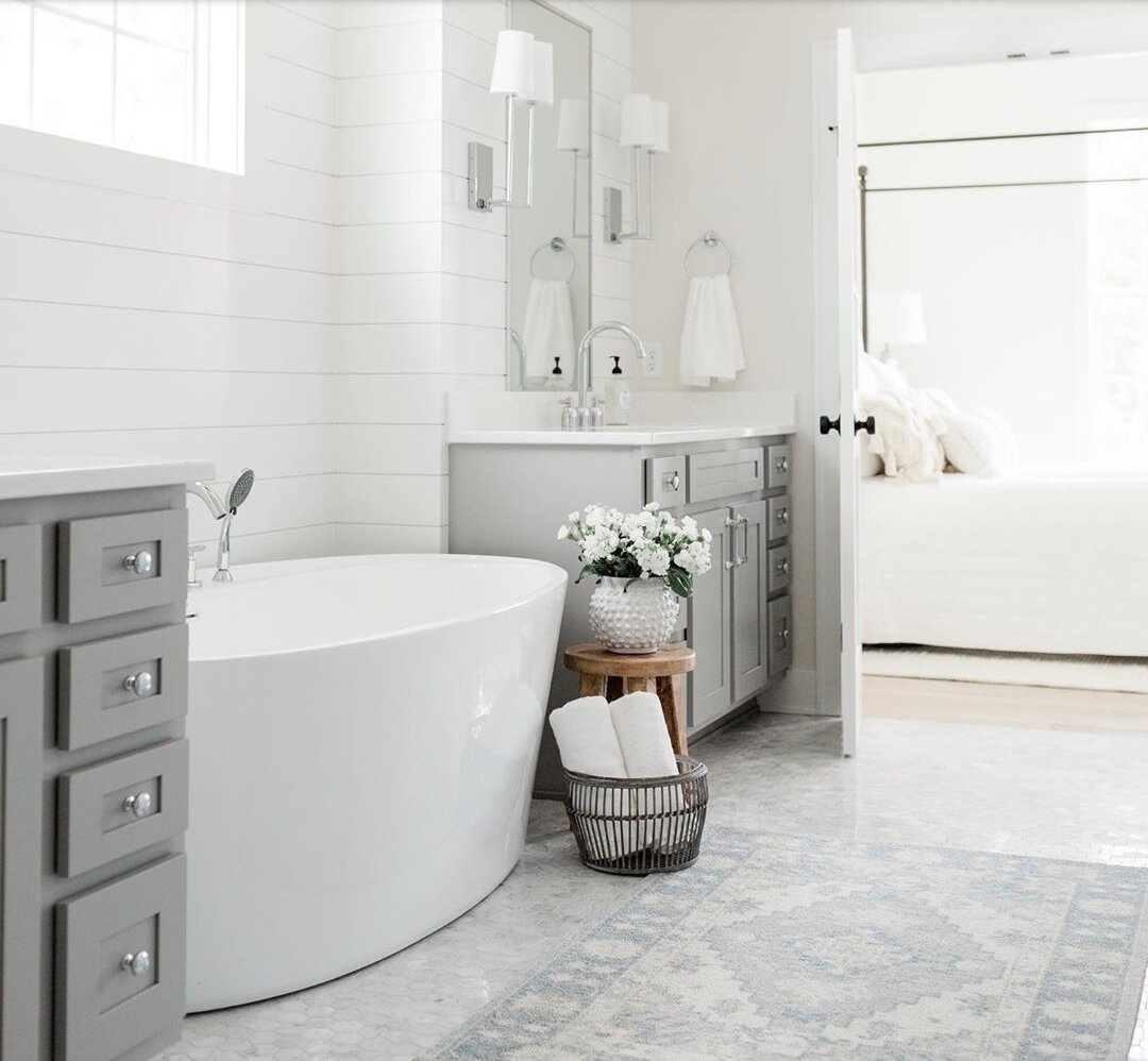 - Our favorite way to dress up a bathroom is with sconce lighting flanking a mirror.Katelyn Cheek, Design Director of Oakstone Homesoakstonehomesiowa.comLena Collection