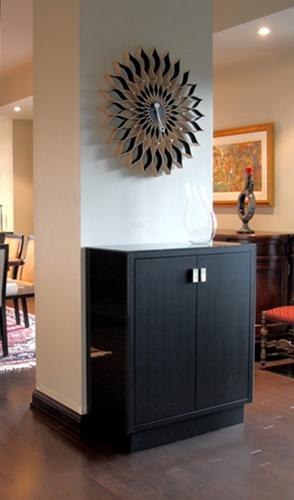 Dining Room : custom bar.