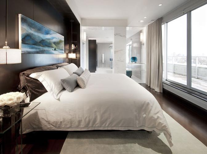 Main Bedroom : custom artwork + draperies.
