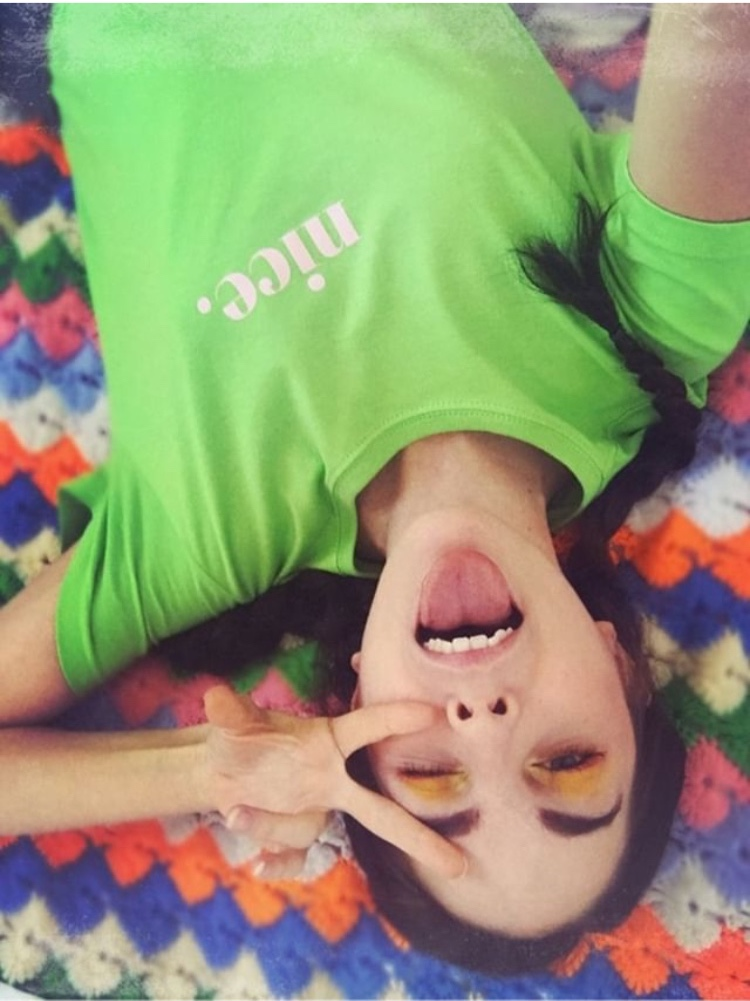 Amarna lleva nuestra  camiseta LULA  <3