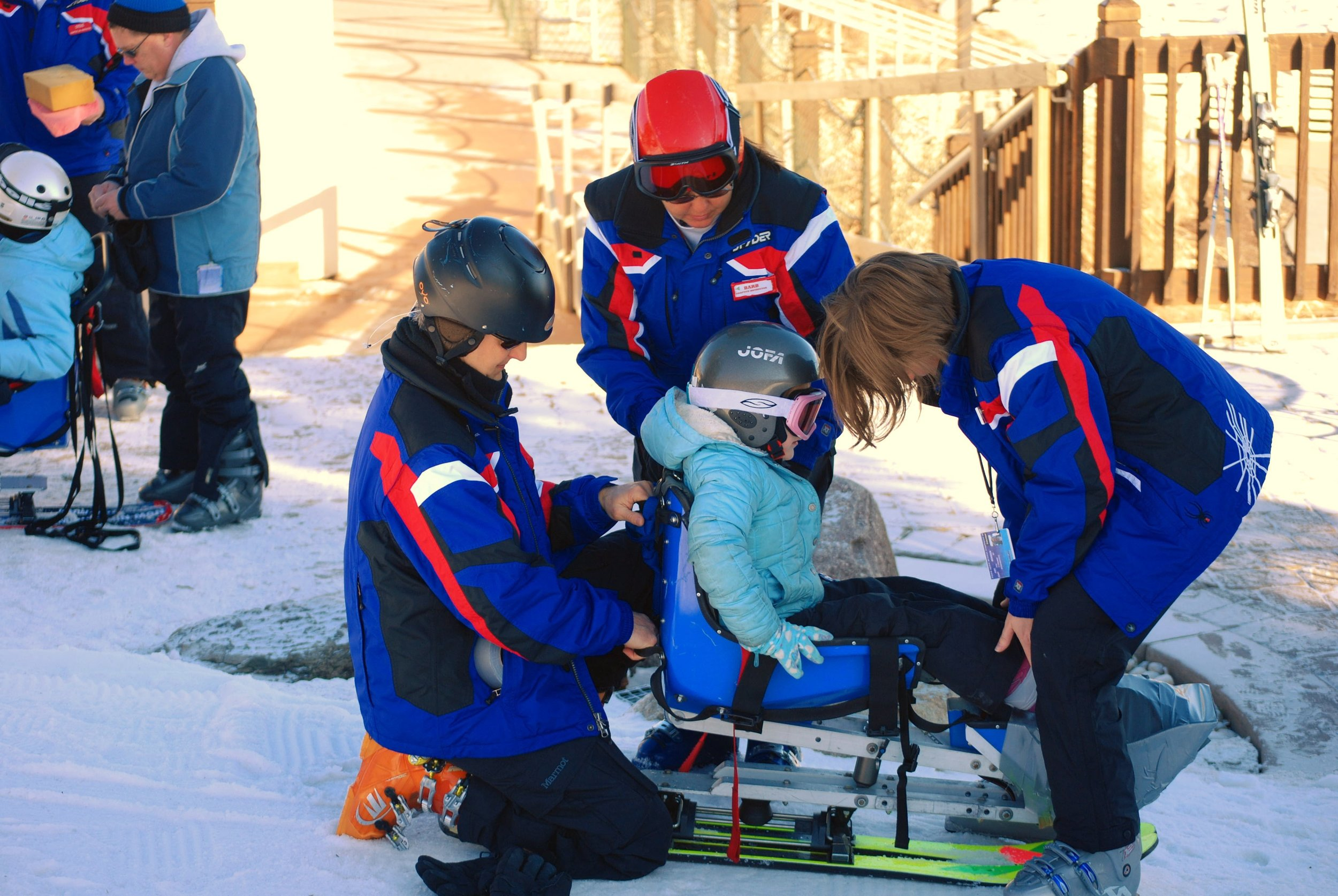adapted-skiing-kids