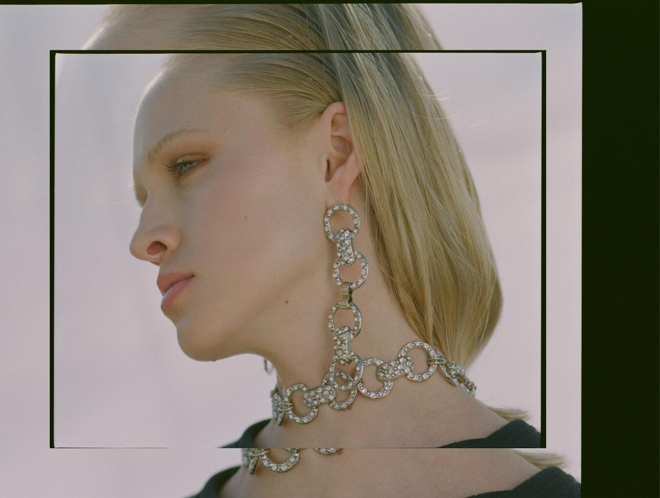 Balyck Earrings & Choker