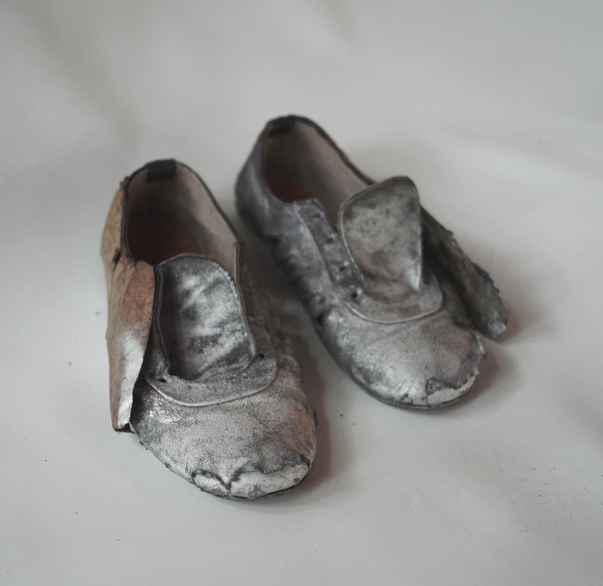 Zapatos  (del proyecto  Robocop ) by  Victor Hugo Portillo