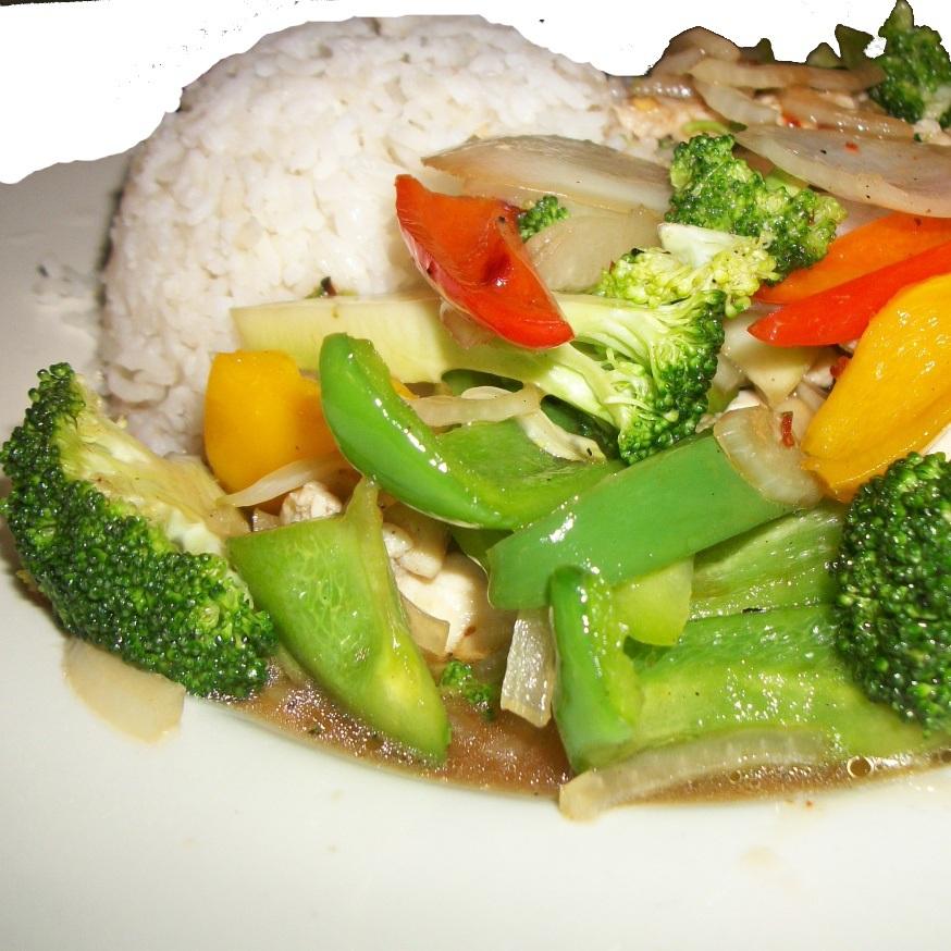 khao-rad-khai-pad-broccoli.jpg