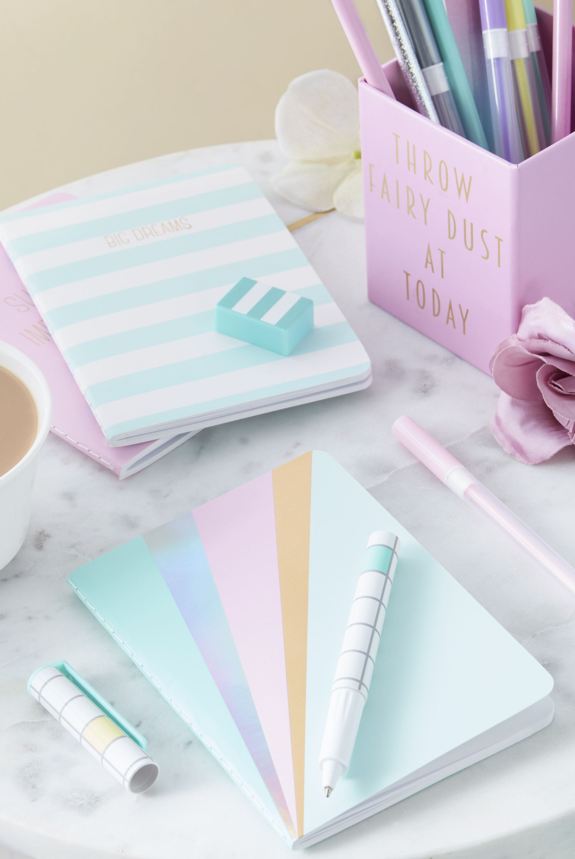 There's so much choice for pretty stationary on the high street and online. Like this pastel stationery from Primark.