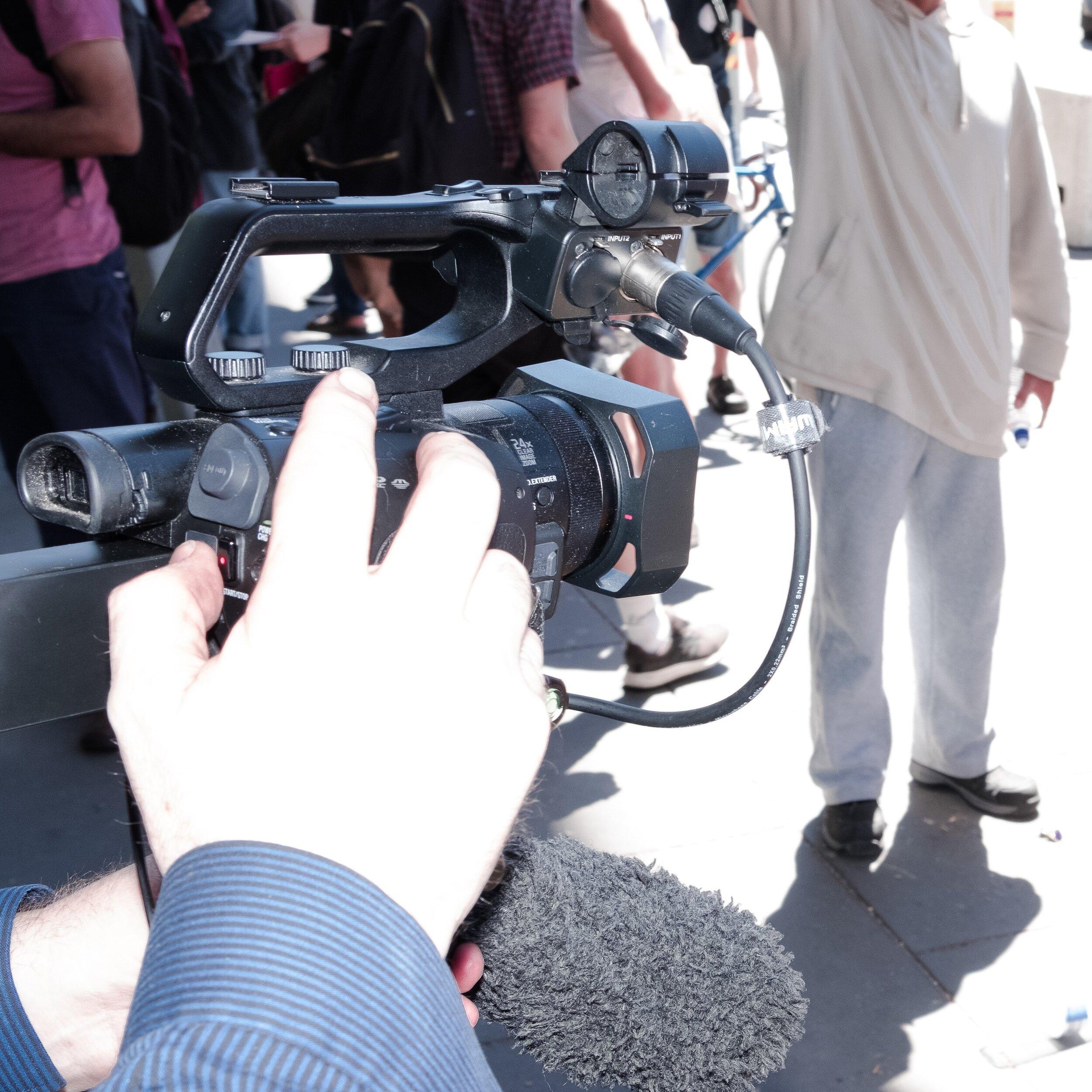 A journalist's camera. (Photo: Jeremy Gan)