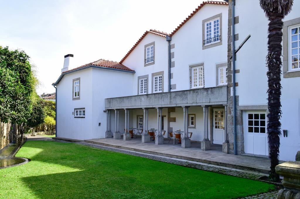 Casa Melo Alvim Portugal Hotels.jpg