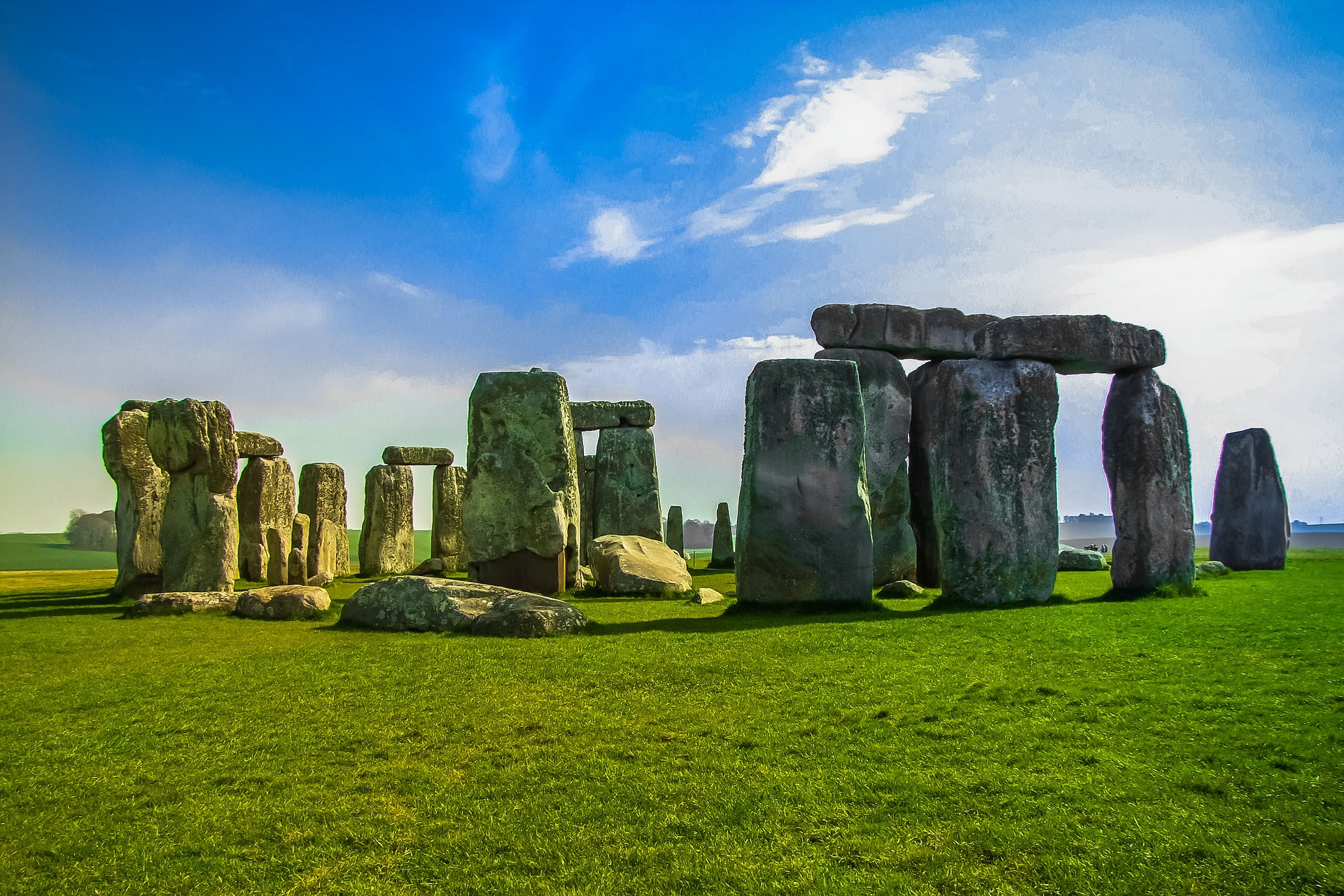 Bath And Stonehenge Tour - Visit two top UK attractions in one day with a luxury guided coach tour to Stonehenge and Bath, departing from London. Stopping first in the stunning city of Bath, and then heading to the ancient and iconic structure on Salisbury Plain, Stonehenge.