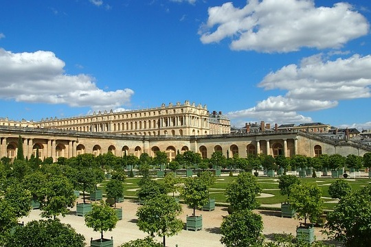 Versailles And Giverny - A day trip to Versailles and Monet's Garden.