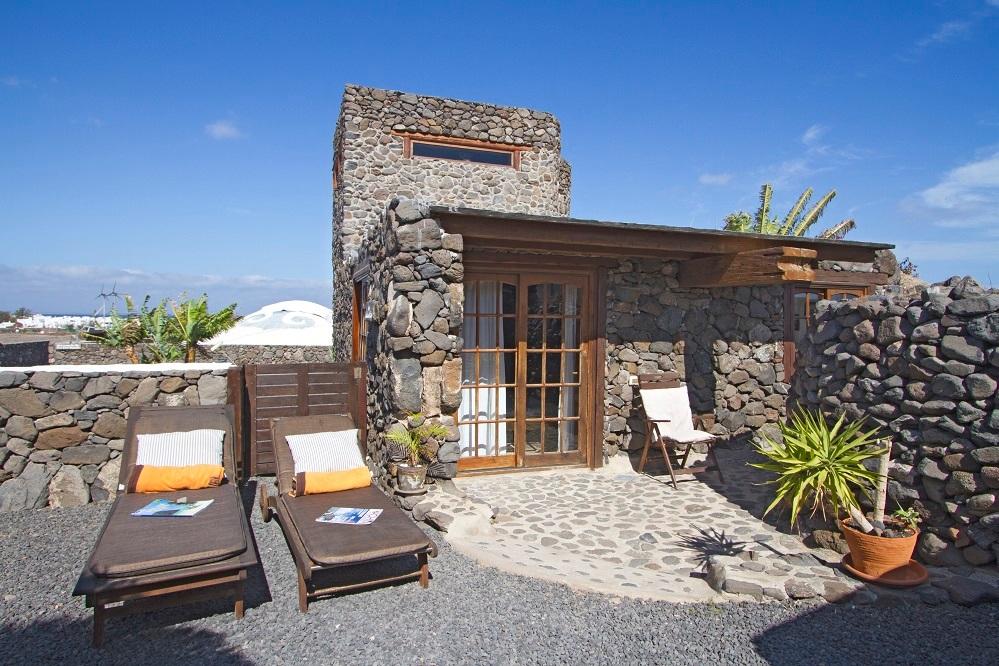 eco-garden-cottage-entrance.jpg