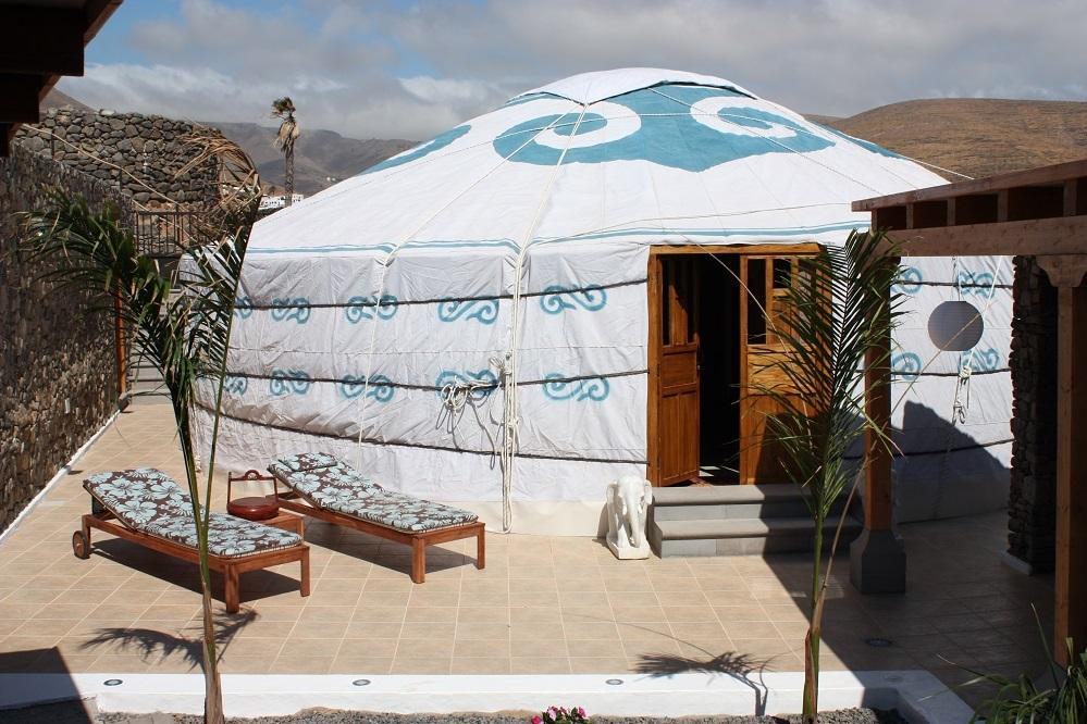 Eco-Yurt-Royale-outside-005.jpg