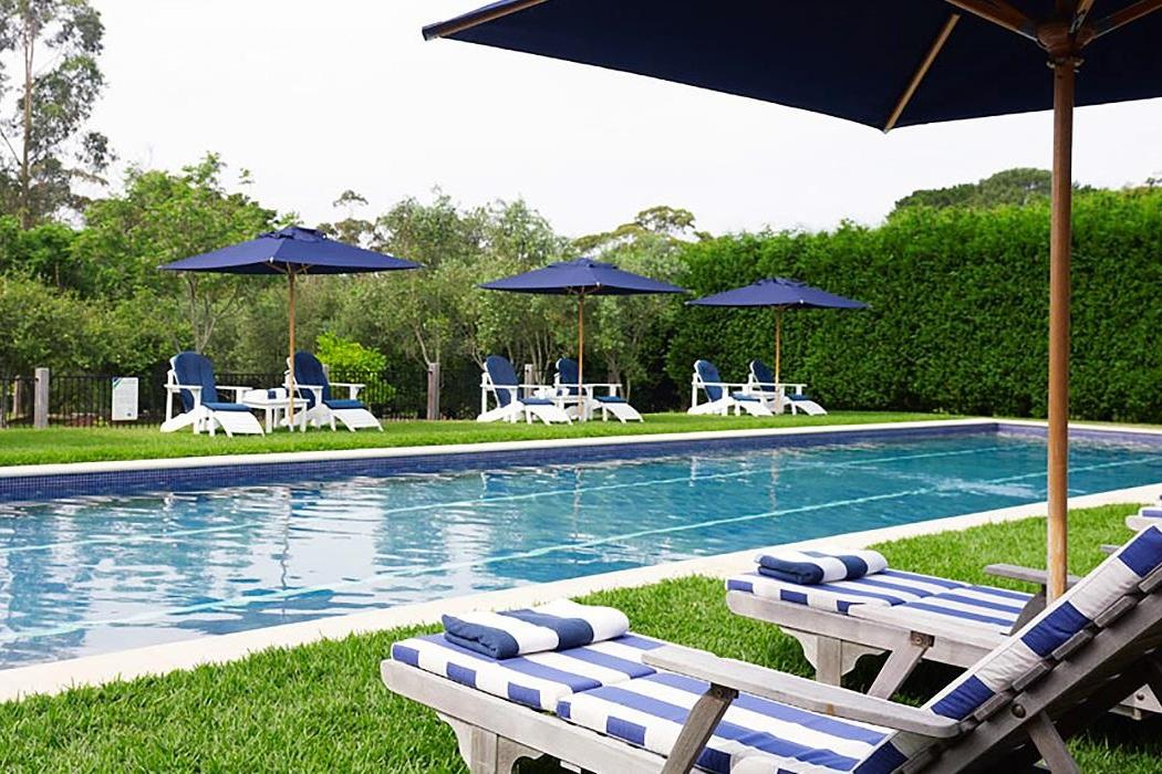 bells-pool-lounge.jpg