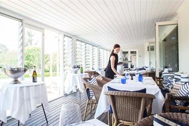 best-restaurants-bells-at-killcare-04_470x250.png