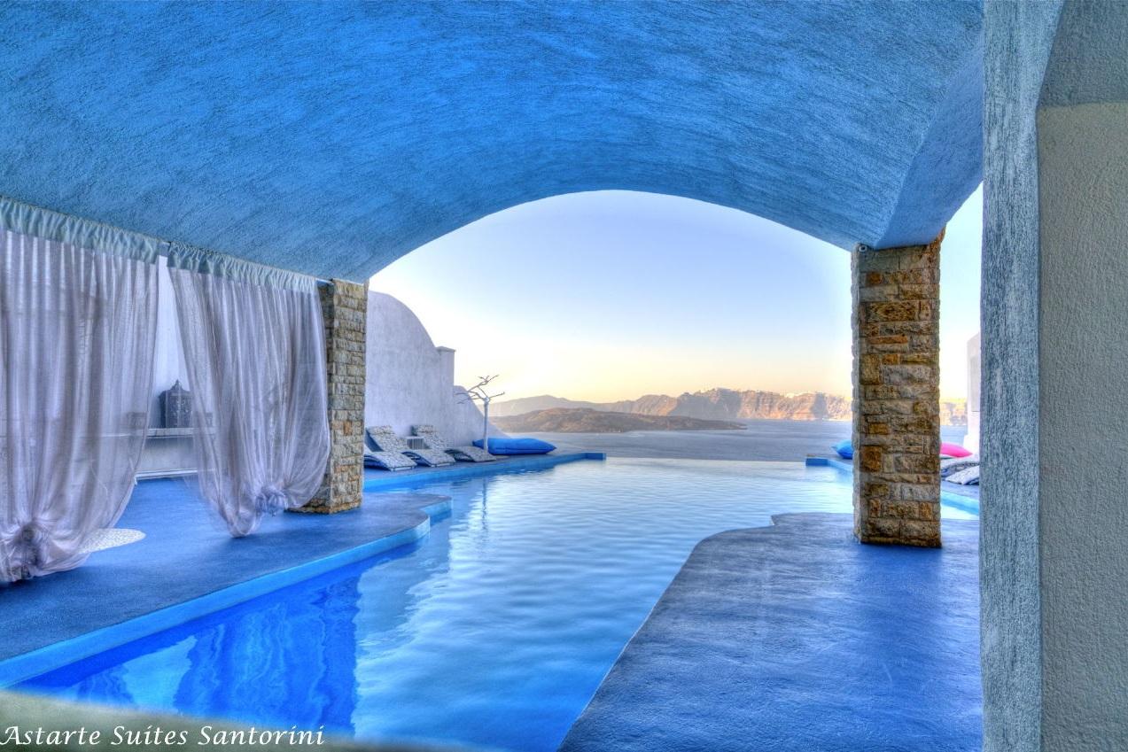 Astarte_Suites_Hotel_Infinity_pool_in_Santorini_Greece.jpg
