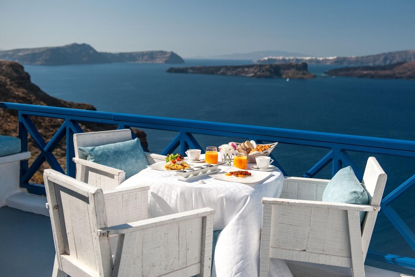 Astarte_Suites_in_Santorini_breakfast_2_2.jpeg
