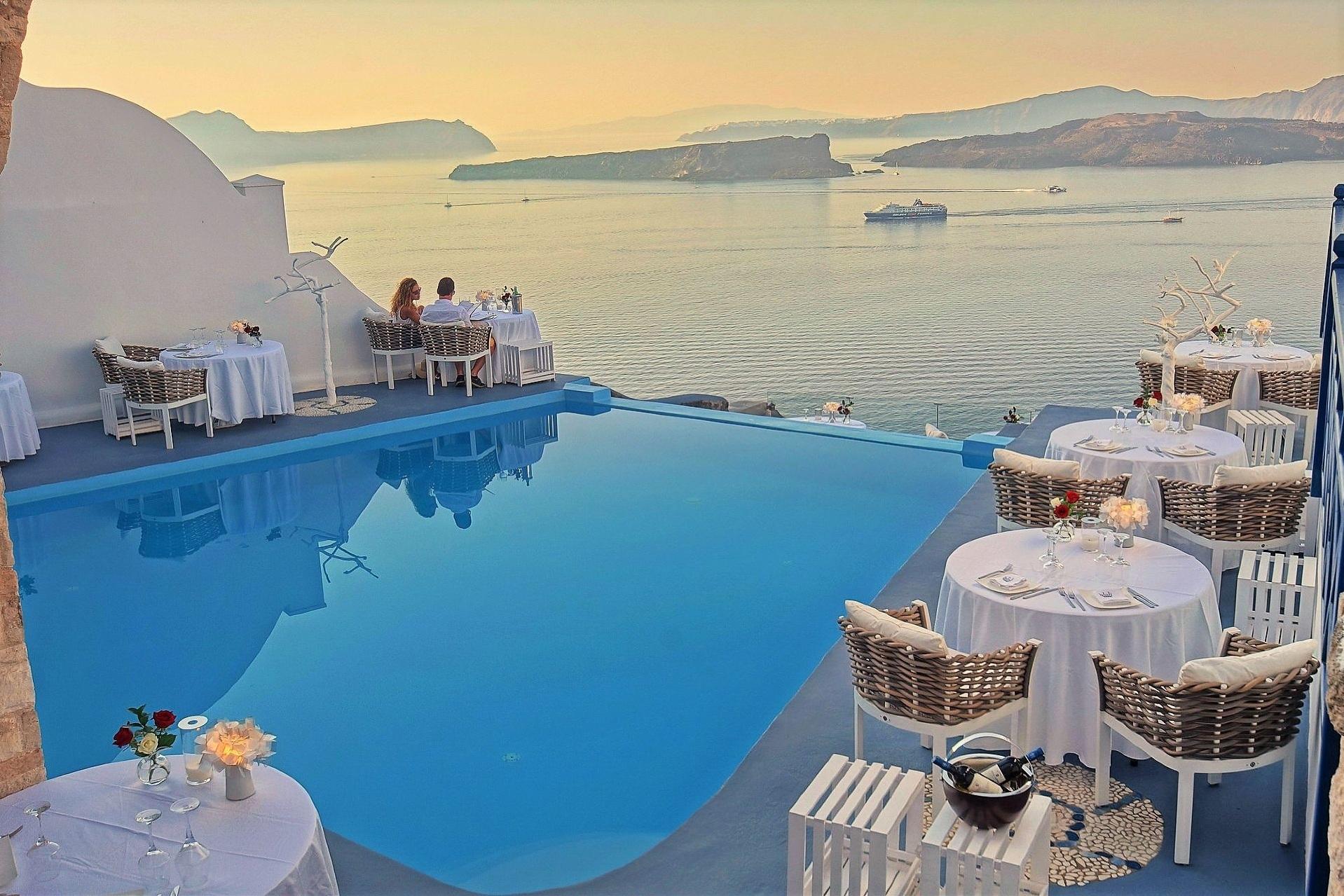 Alali_Restaurant_in_Astarte_Suites_Hotel_-_Fine_dining_Santorini.jpg