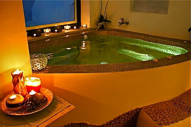 2_Astarte_Suite_private_outdoor_Pool_and_indoor_couples_Jacuzzi.jpg
