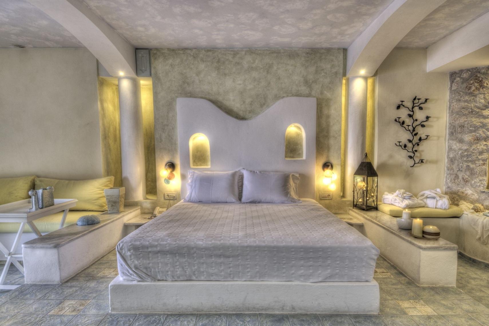 5_Honeymoon_suite_private_couples_Jacuzzi_sea_volcano_caldera_views_Astarte_Suites_Santorini_island.jpg