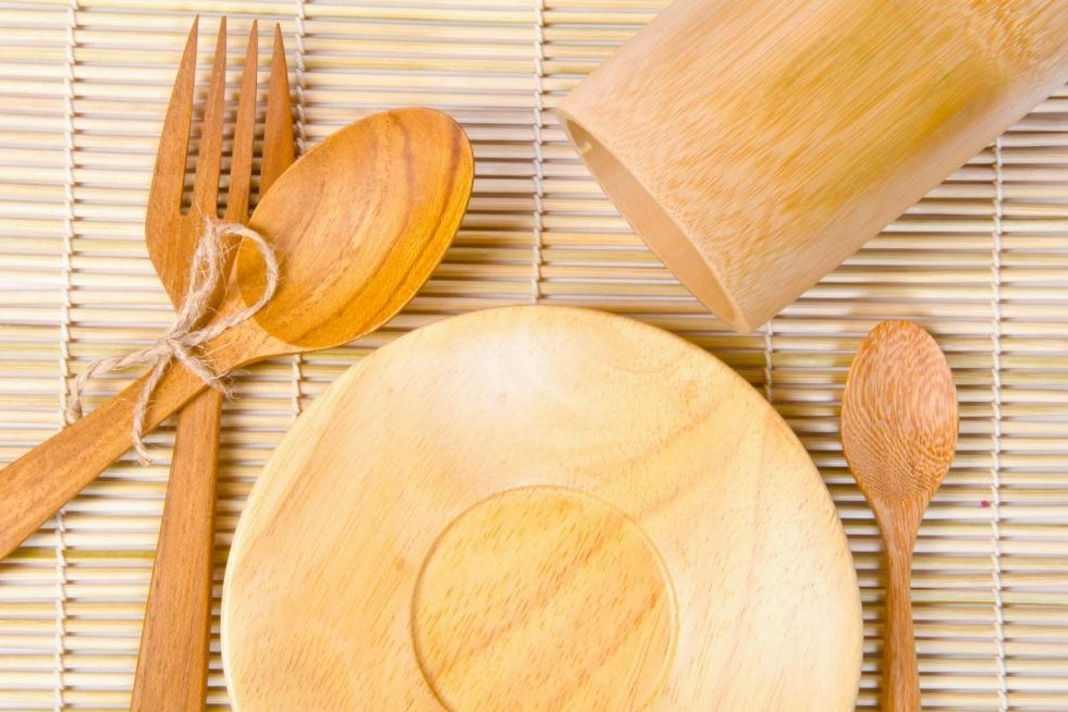 Using eco-friendly utensils can seriously help to save the environment