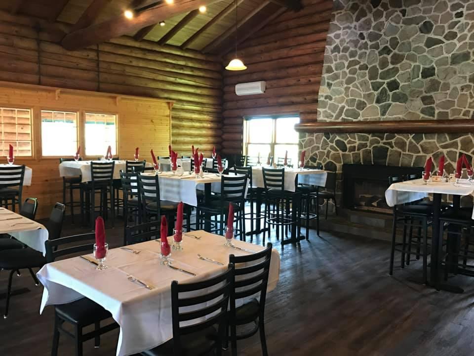 restaurant seatin.jpg
