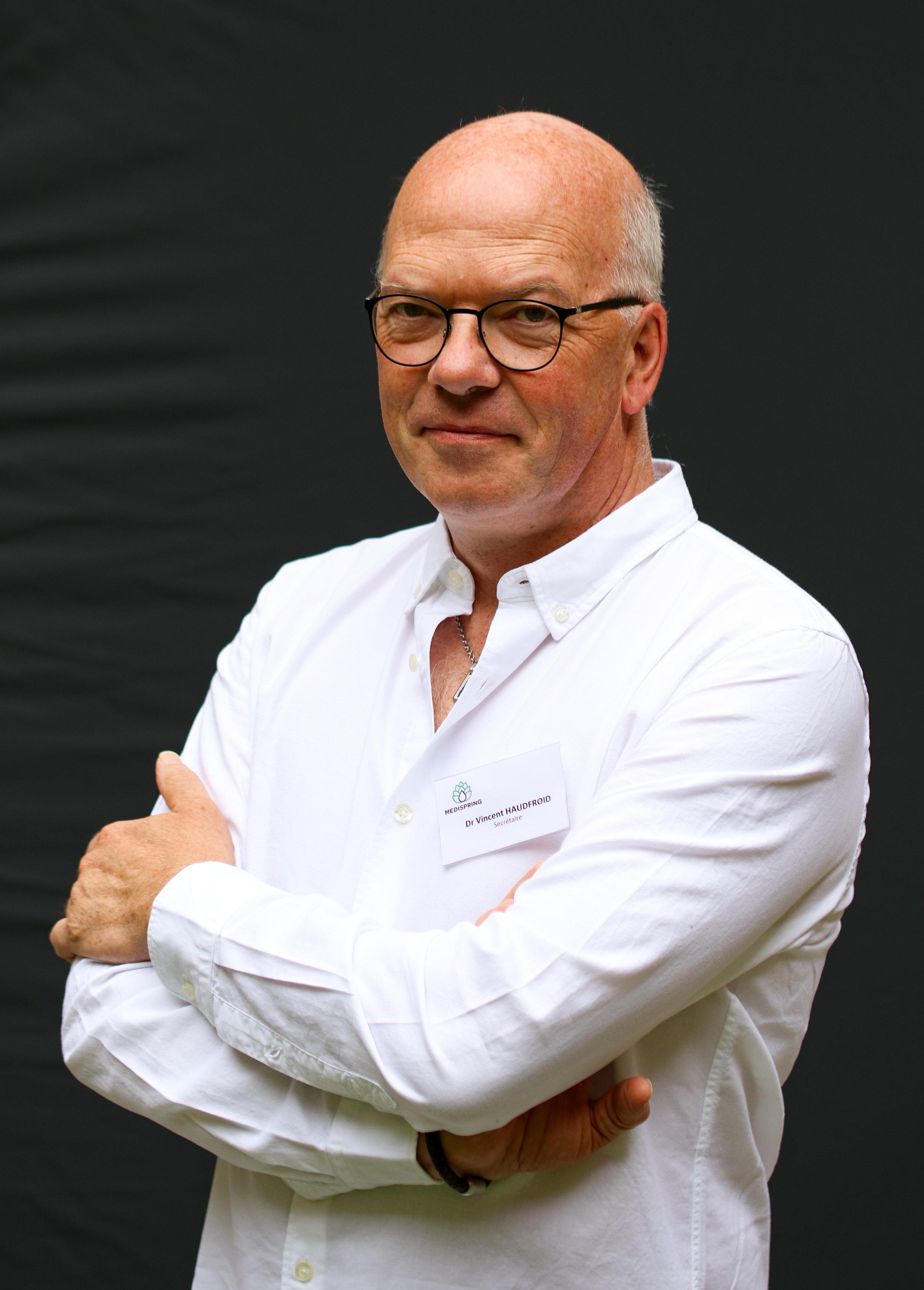 Secrétaire - Dr. Vincent Haufroid