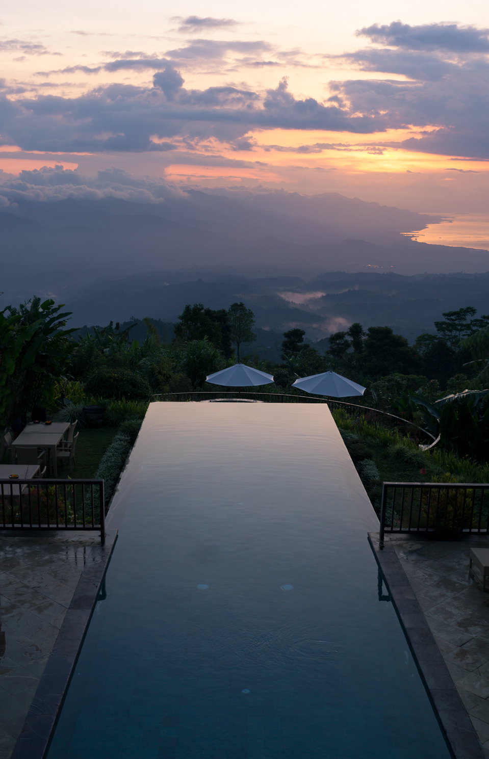 Infinity Pool -   Photo by Jeremy, Prizzed