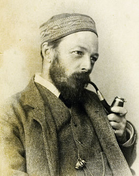 Symonds with a pipe_resized.jpg
