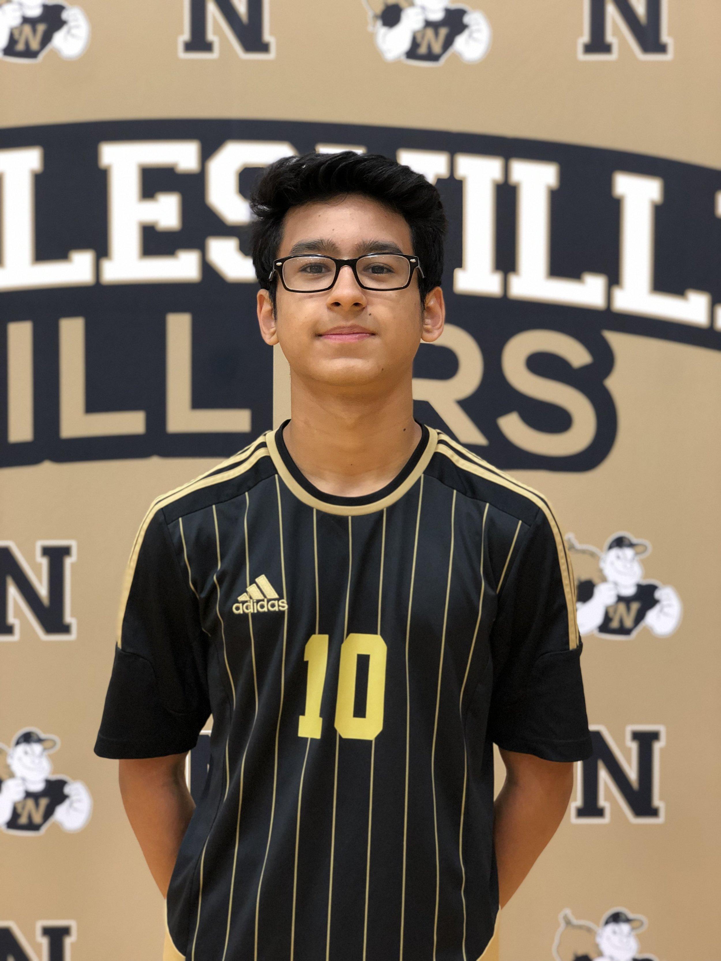 #10 Bryan Hernandez (F) Class of 2022