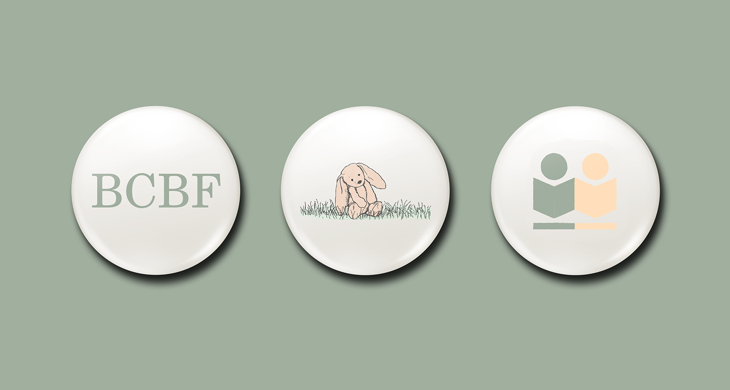 Buttons that will be distributed as a commemorative item from the event.