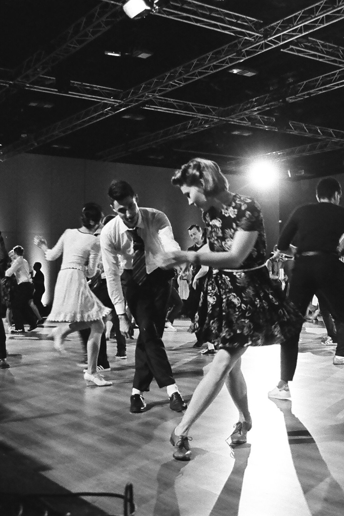 Lindy+Hop+social+dancing-swing+music+and+dancing