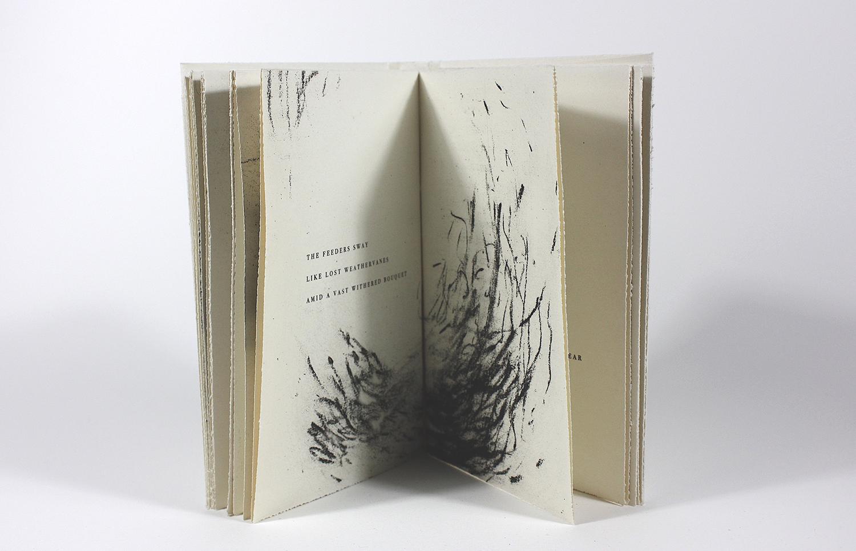 L'écorce du souvenir    Texte Hélène Dorion et gravure Carole Bernier  2017 | 18 x 11 cm | gravure et typographie | 30 exemplaires | édition Faiseurs d'Images