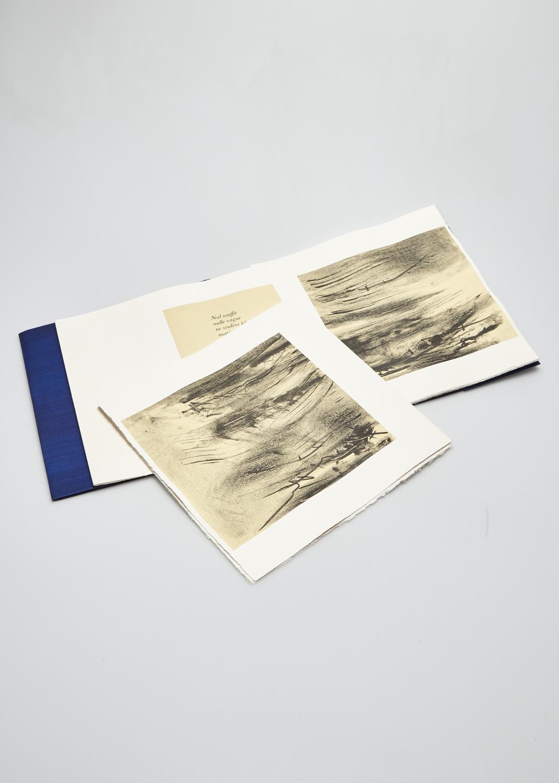 L'heure et le lieu    Texte Georges-Emmanuel Clancier et gravure Julius Baltazar  2003 | 32 x 30 cm | lithographie et typographie | 42 exemplaires
