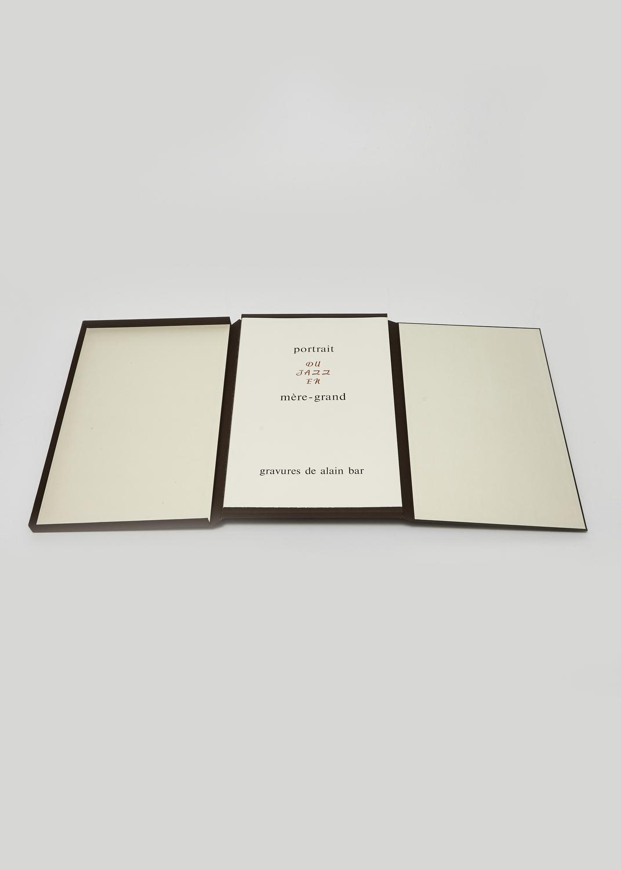 Portrait du Jazz en mère-grand    Texte L. Malson, F. Marmande, J. Pérole, J. Echenoz, J. Léandre, J. Ramallo, A. Velter, Y. Buin, D. Bello, A. Hodeir et gravure Alain Bar  1985 | 55 x 36 cm | gravure et typographie | 112 exemplaires | édition Ex-Libris
