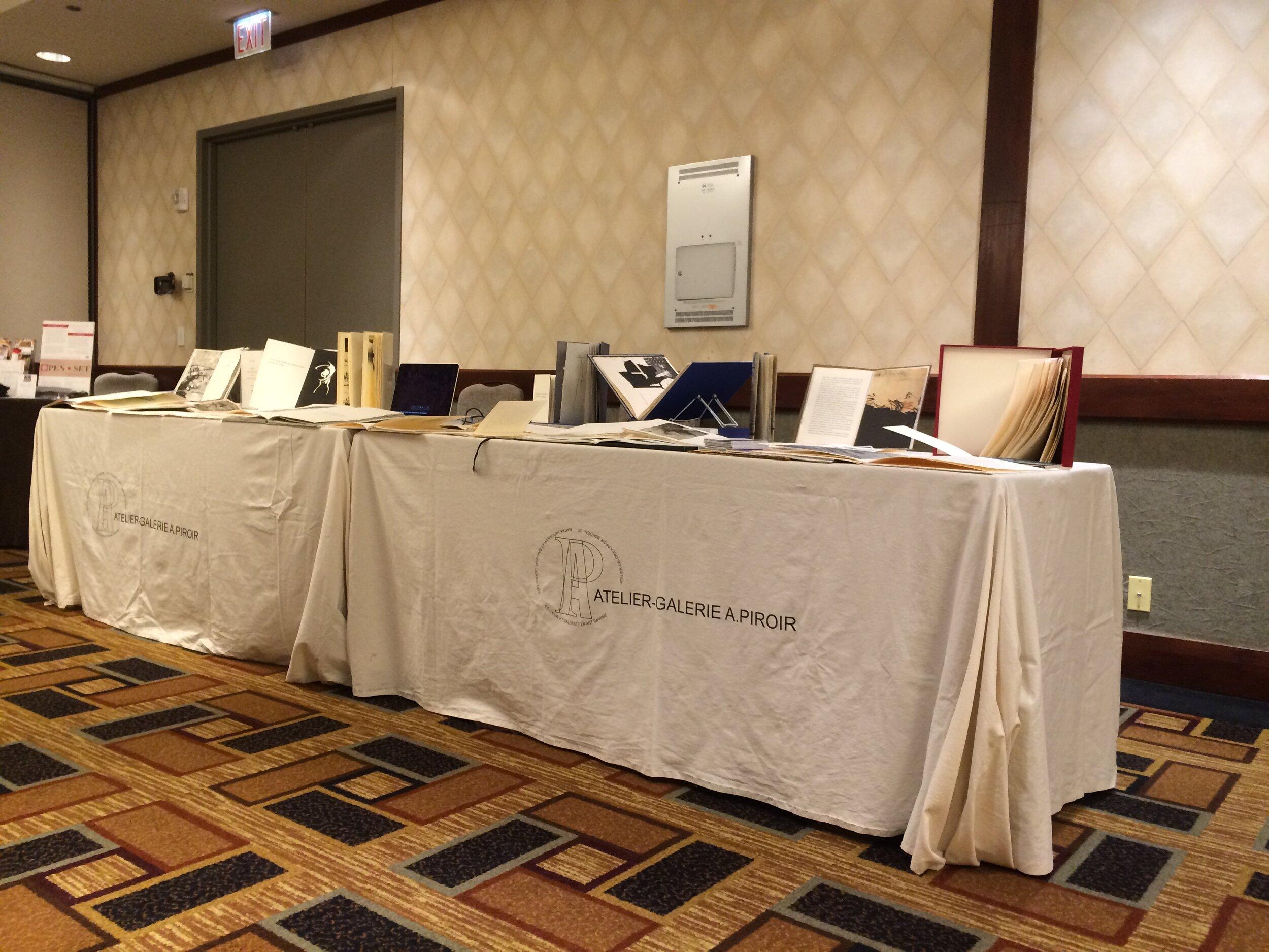 Tables de l'atelier-Galerie A. Piroir, site web de l'organisateur -