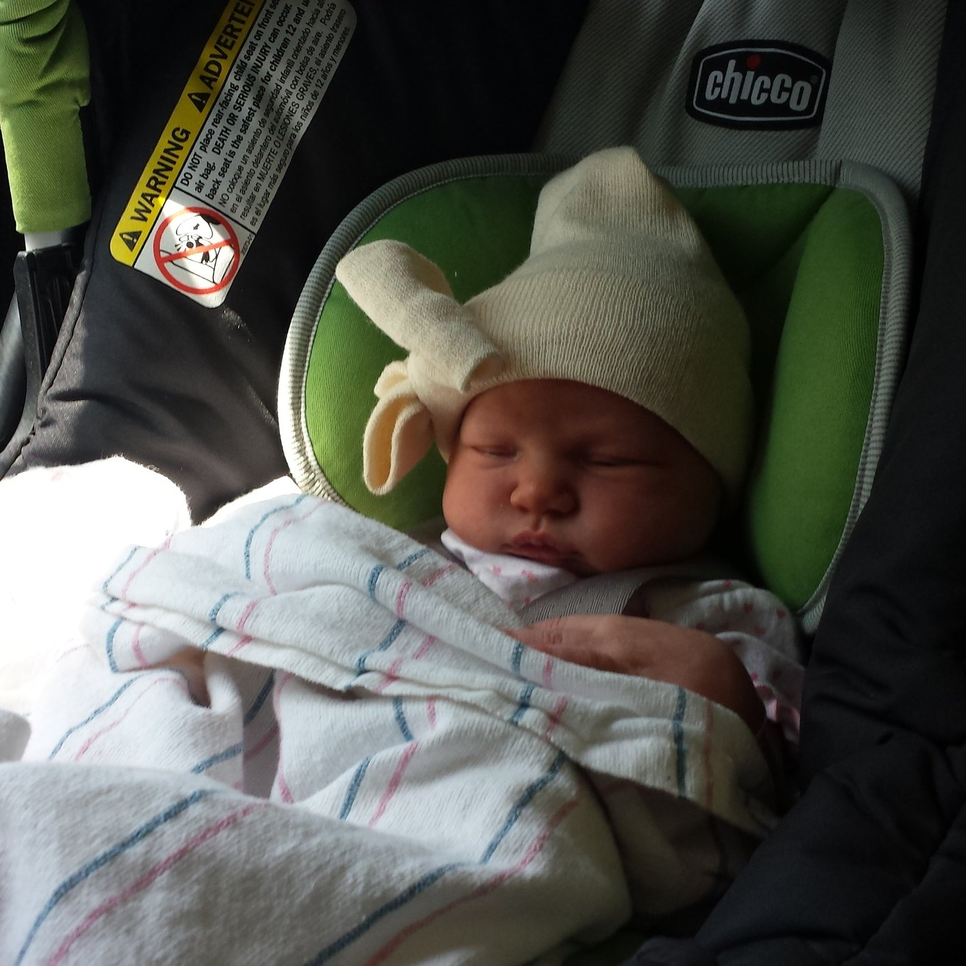 willa+in+carseat.jpg