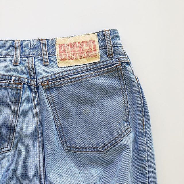 Your new favorite jeans are available now.  _ Vintage, high waisted and sure to make all the moms jealous. link in bio to shop. . . . . . . . . . . . . . . . . . . #gotsomethinggood #vintagejeans #bongojeans #vintagebongo #momjeans #vintagehighwaistedjeans #vintagedenim #90sfashion #90sstyle #tumblraesthetic #90sgrunge #streetstyle #lafashion #nyfashion #fblogger #ilovewpb #miamifashionblogger #ootdpost #consciousconsumer #shopsecondhand #saynotofastfashion #vintagemomjeans #sustainableclothing #sustainablefashion #nosweatshops #fairtradefashion #ootdpost #shopnewarrivals #resaleboutique #vintageforsale