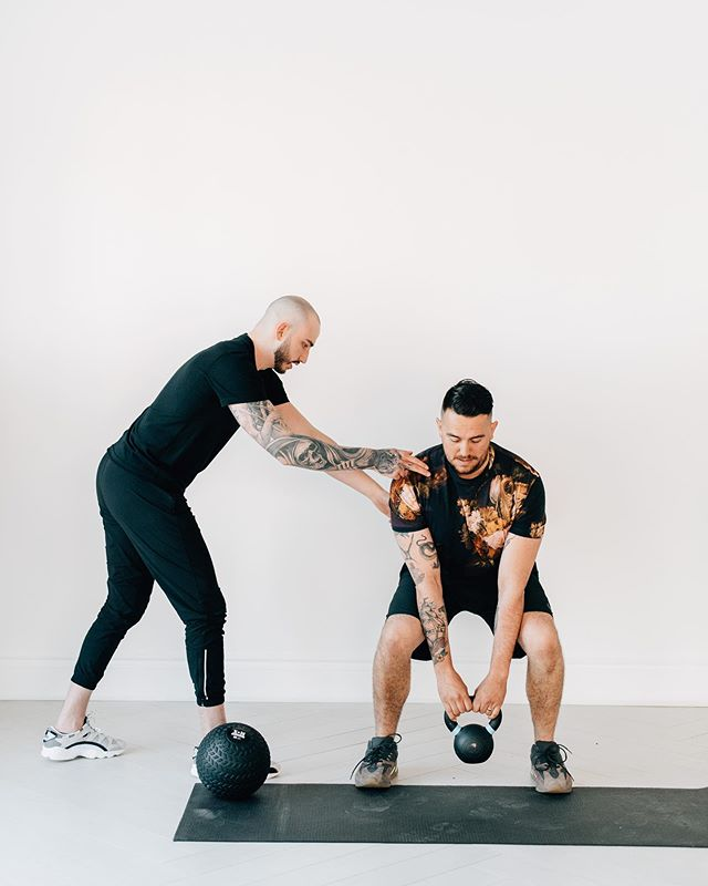 The work week is over, and it's time for the real work to begin. Choose in-home personal training and get ready to crush those summer goals. 💪🌞