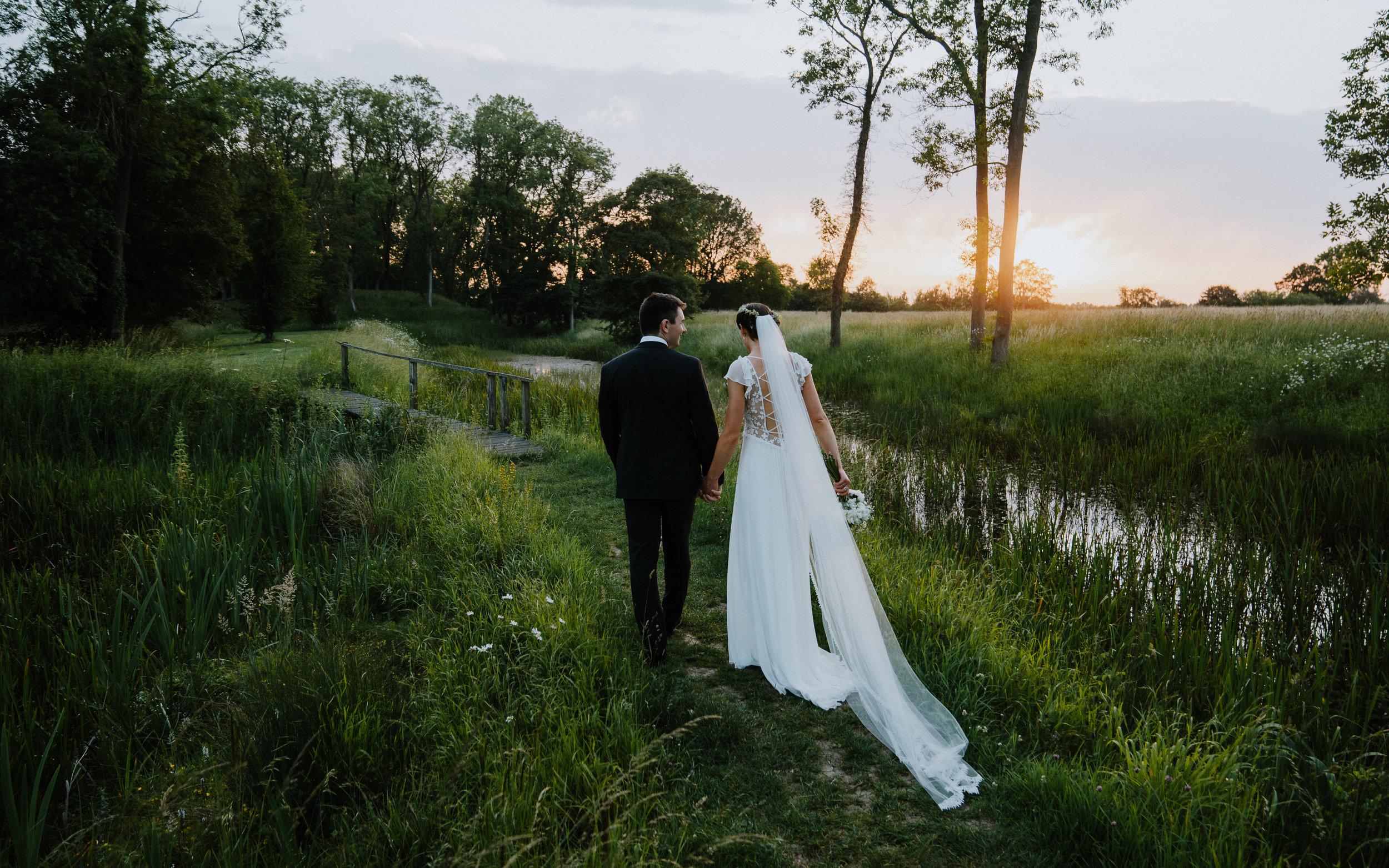 SALLY & HUGH - BEAUTIFUL SUMMER WEDDING IN OUNDLE, england