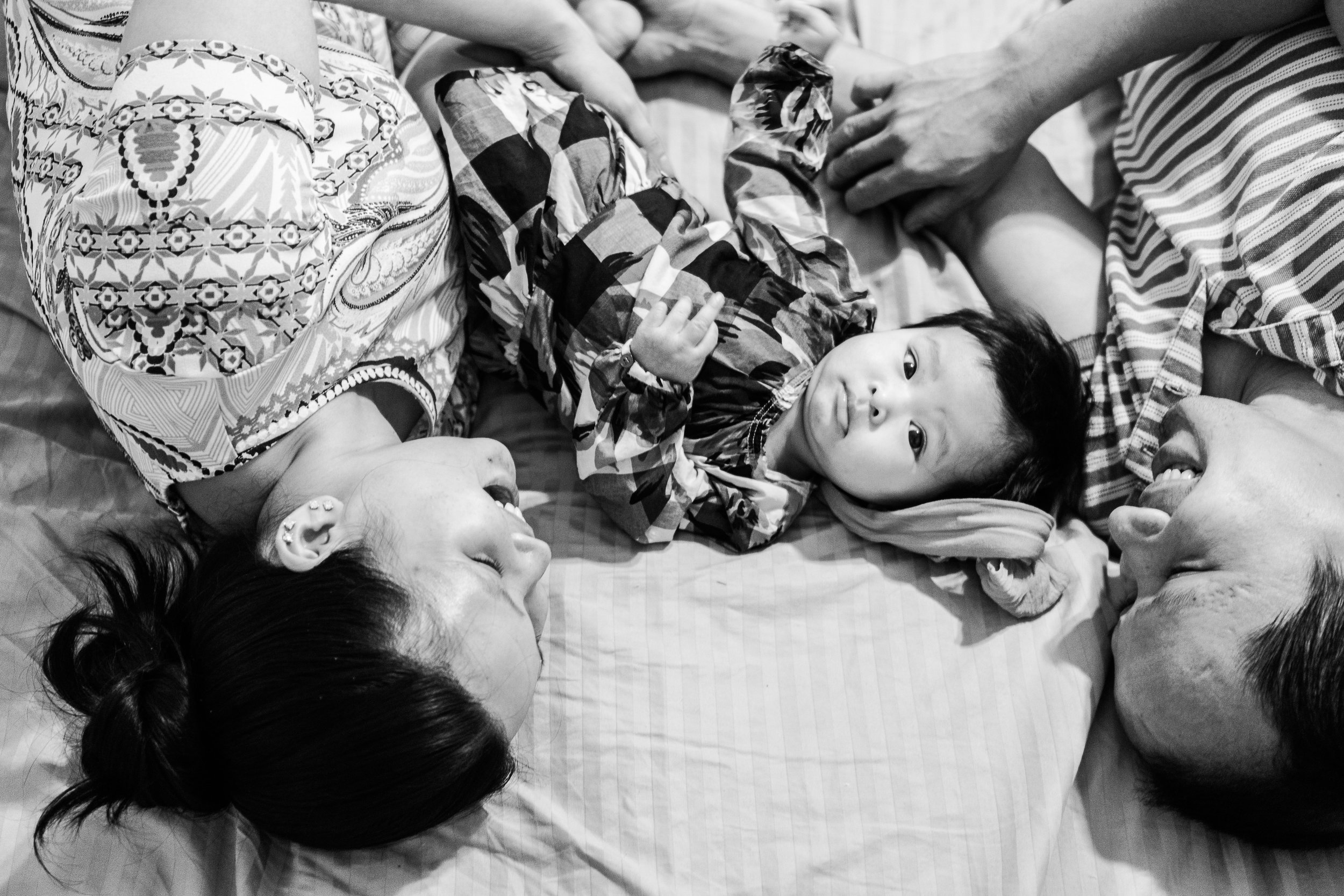 skylar-baby-5-month-home-session-1.jpg