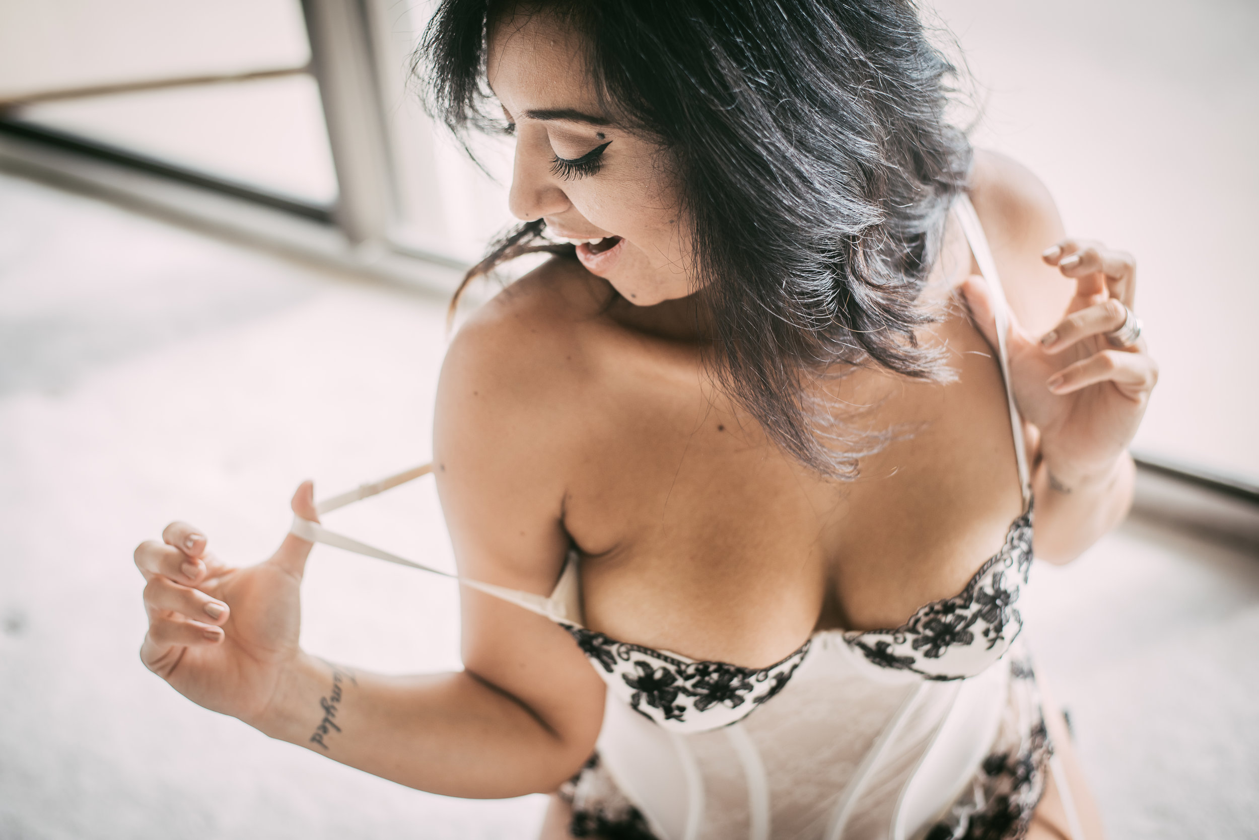 walkiria-boudoir-beauty-photo-session-1-16.jpg
