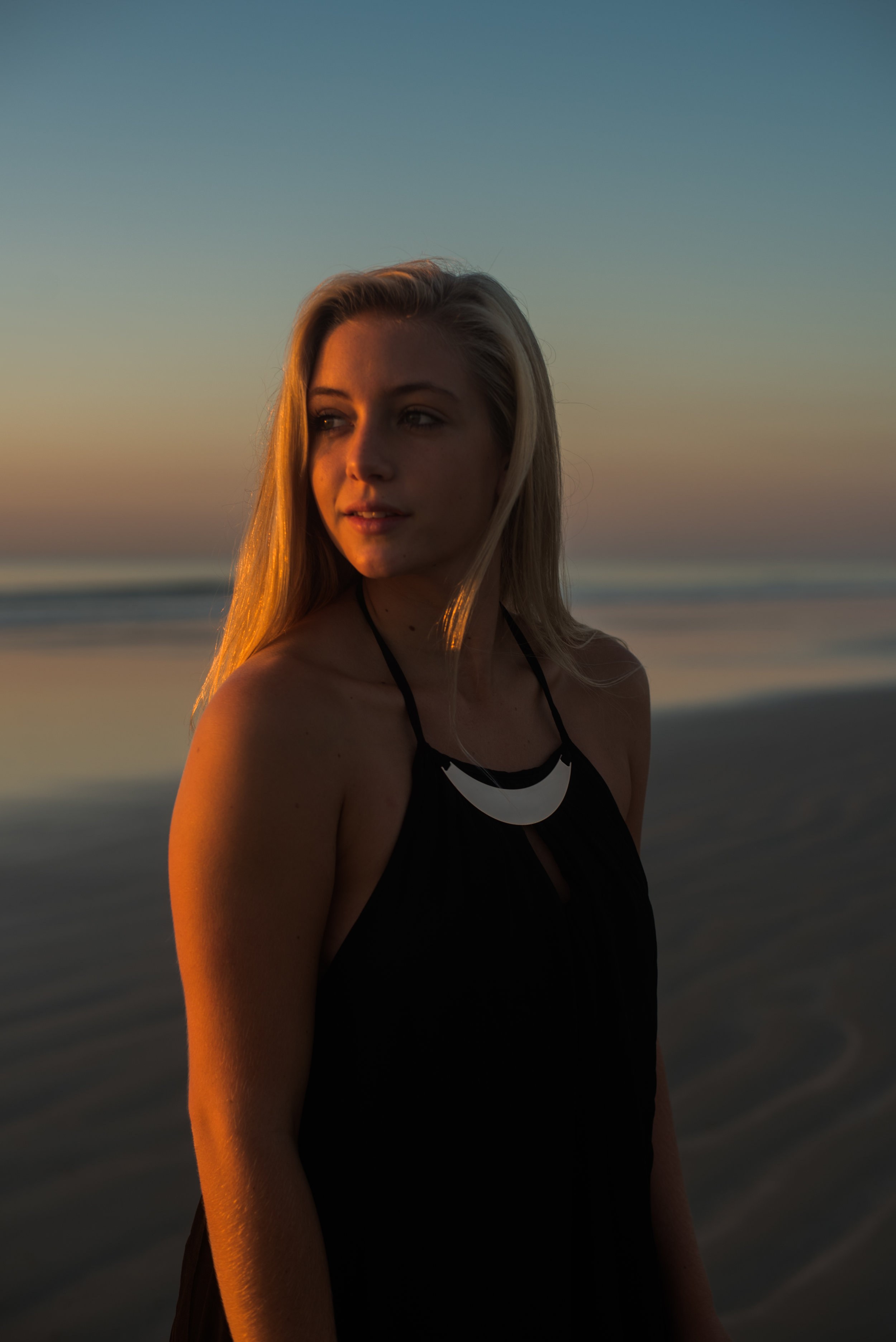 maddie-cocoa-beach-senior-photo-1-10.jpg
