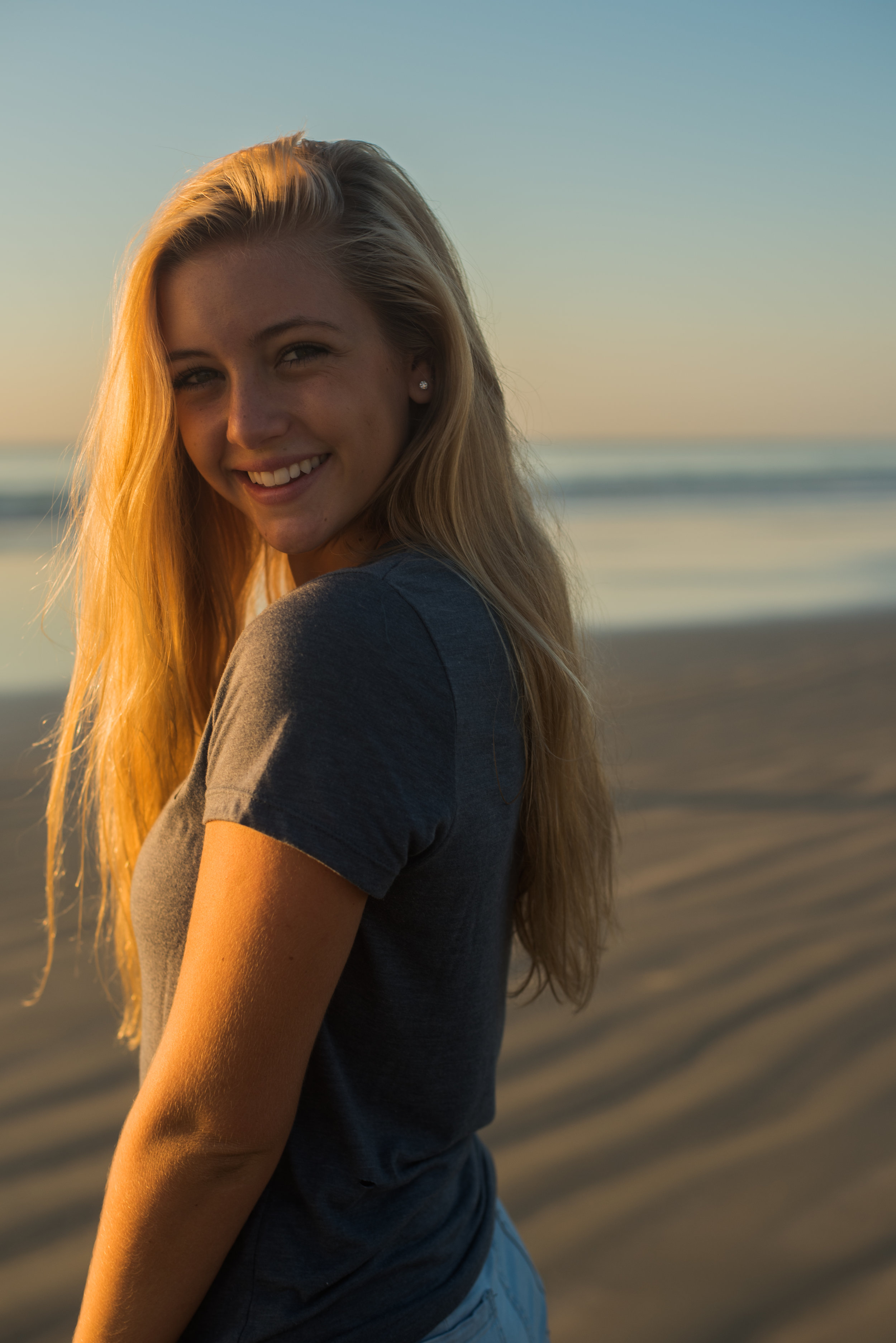 maddie-cocoa-beach-senior-photo-1-23.jpg