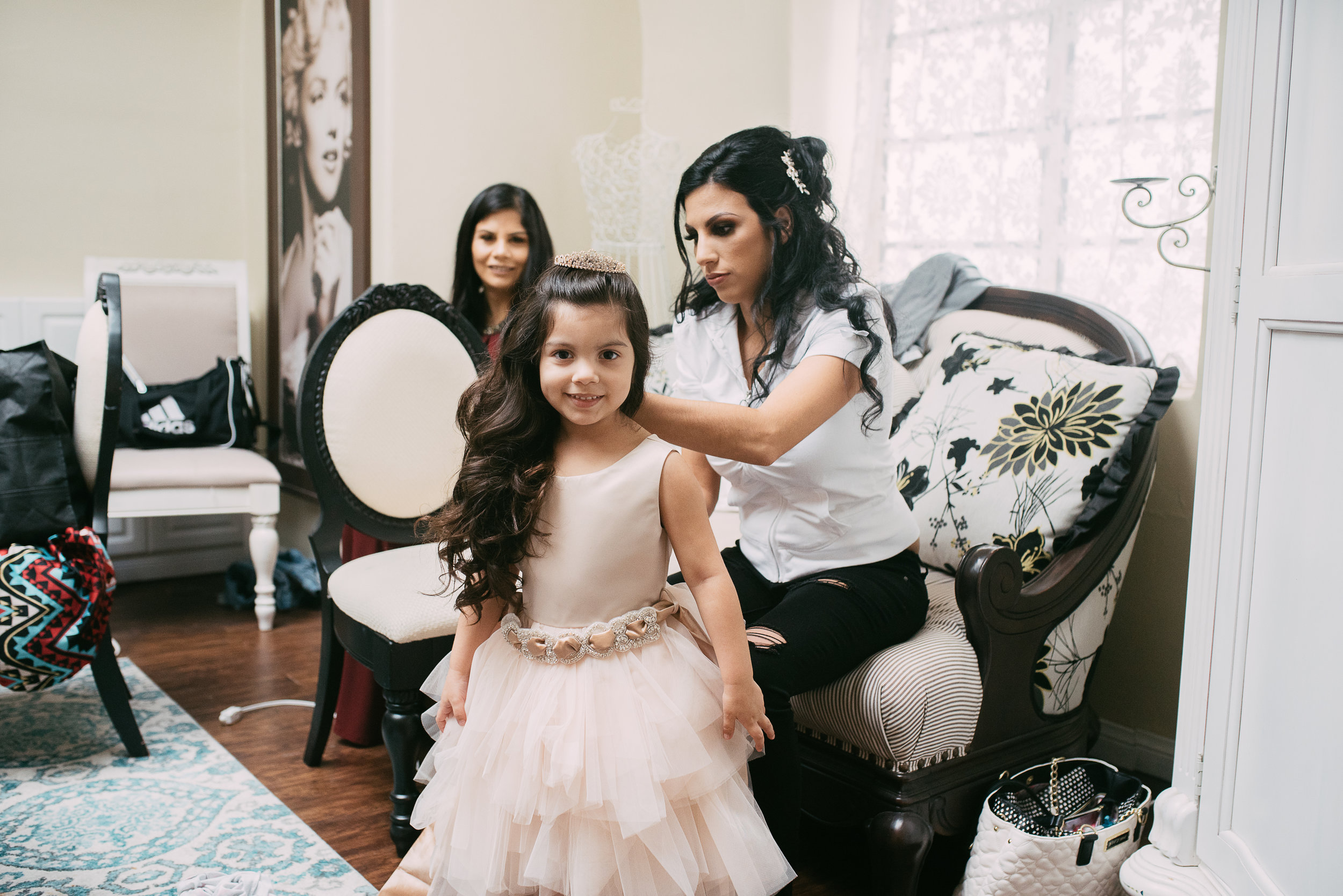 loft-84-riverside-maura-wedding-getting-ready-14-2.jpg