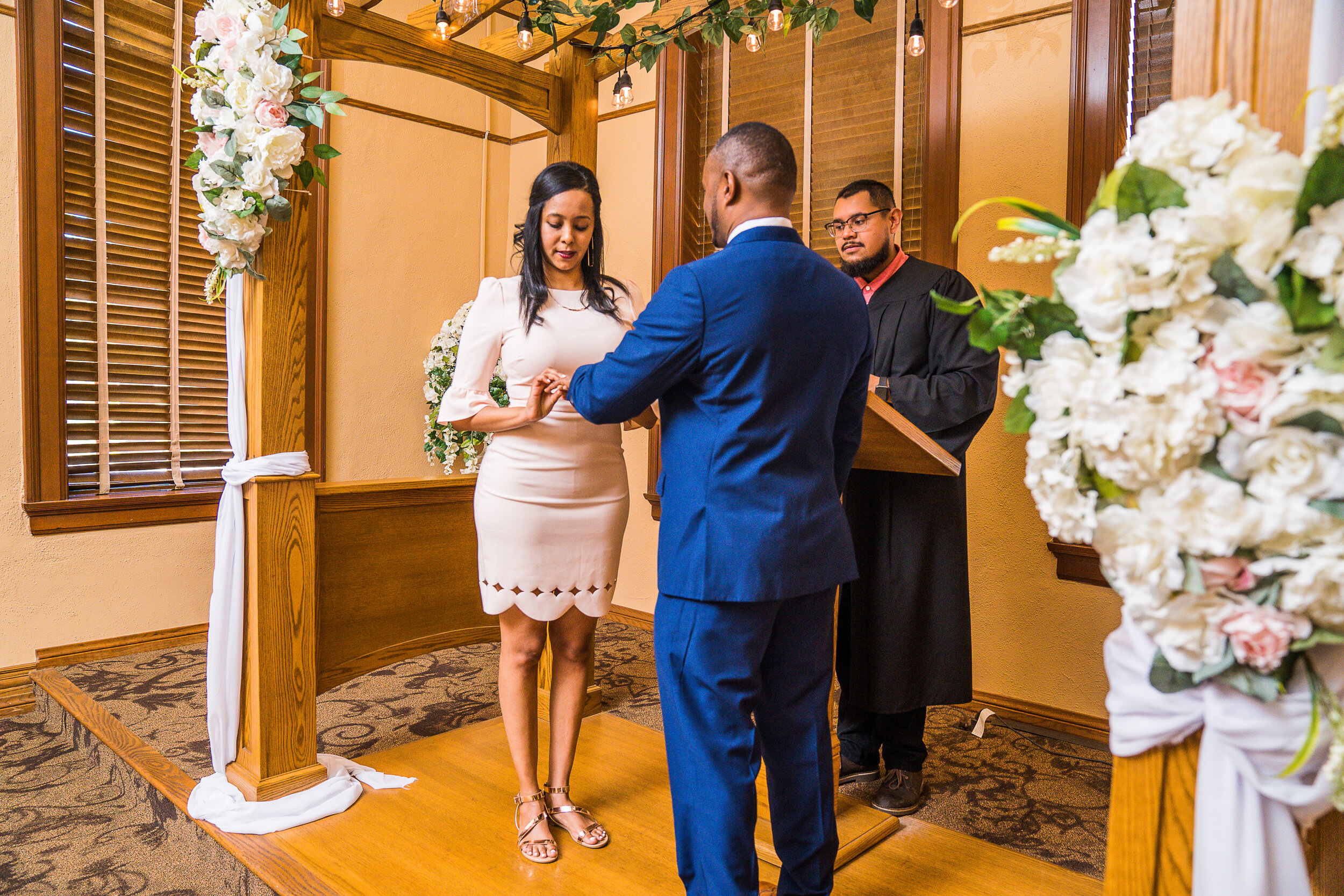 sewit-elopement-orange-county-santa-ana-courthouse-3.jpg