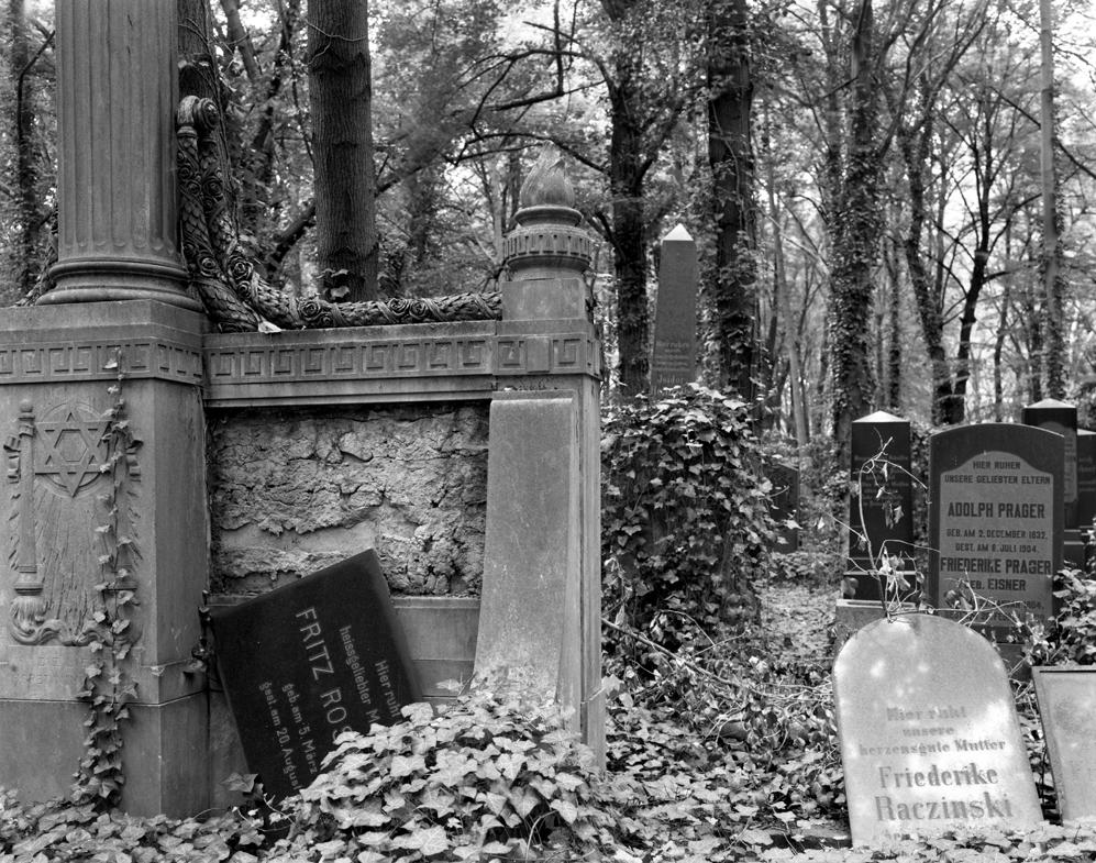 Jewish Adolf-Weissensee Jewish Cemetery, Berlin 2007